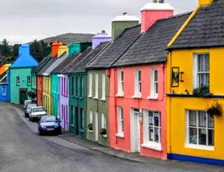 Rumah warna warni