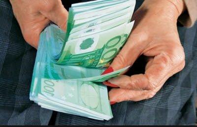 uang dan wanita