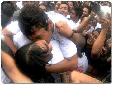 tradisi ciuman pemuda bali